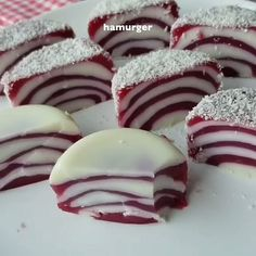 I have a very light, full-sized dessert recipe. Desserts For A Crowd, Sweet Desserts, Sweet Recipes, Dessert Recipes, Turkish Recipes, Frozen Yogurt, Food And Drink, Cooking Recipes, Tasty