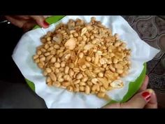 BEGINI CARANYA MEMBUAT KACANG BAWANG YANG RENYAH - YouTube Indonesian Sambal Recipe, Indonesian Recipes, Indonesian Food, Snacks, Snack Recipes, Kebaya, Meals, Cookies, Learning