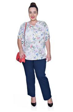 Granatowe spodnie z prostą nogawką - Modne Duże Rozmiary