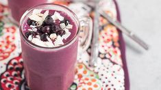 Wild Blueberry Coconut Smoothie Recipe by Melanie Flinn of Nutritious Eats Protein Smoothie Recipes, Smoothie Packs, Coconut Smoothie, Healthy Smoothies, Healthy Carbs, Healthy Food, Frozen Cherries, Wild Blueberries, Breakfast Smoothies