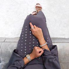 Arab Swag | Nuriyah O. Martinez | 4,858 vind-ik-leuks, 64 reacties - @noufaltamiimi op Instagram: 'Grey Kaftan by @wa_kaftan . .'
