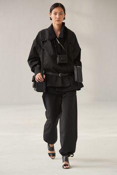 Men Fashion Show, Fashion Mode, Fashion Show Collection, Fashion Trends, Fashion 2020, Womens Fashion, Fashion Design, Vogue Paris, Lemaire