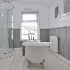 Grey tongue and groove bathroom