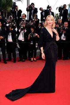Festival de Cannes 2015 Cate Blanchett aparece en la alfombra roja de Sicario con un vestido negro de la colección primavera 2015 de Armani Privé. Foto: © GTRESONLINE/Cordon Press/Getty Images