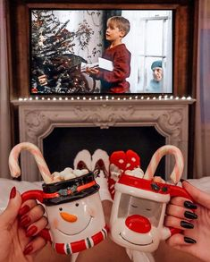 Good morning It's 22 days until Christmas Eve ->-> for the countdown Photo by. - Before After DIY Cosy Christmas, Christmas Feeling, Days Until Christmas, Christmas Time Is Here, Christmas Room, Merry Little Christmas, Christmas Movies, Home Alone Christmas, Country Christmas