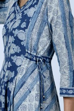 Stylish Dress Designs, Stylish Dresses, Casual Dresses, Night Gown Dress, Neck Designs For Suits, Kurti Patterns, Suit Pattern, Couture Embroidery, Night Suit