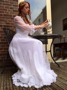 Vintage wedding dress European size 36-38 trouwenvantoen@hotmail.com