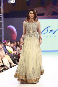 da8a8481af4b 7 Best indian wedding dresses images