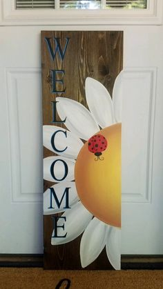 Welcome Flower Sign with Ladybug – Love Crafted Decor Porch Welcome Sign, Wooden Welcome Signs, Diy Wood Signs, Outdoor Wood Signs, Welcome Boards, Pallet Painting, Pallet Art, Painting On Wood, Painted Boards