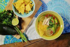 Zöldcitromos csirkeleves a Yucatan-félszigetről Nachos, Thai Red Curry, Soup Recipes, Chili, Lime, Mexican, Ethnic Recipes, Kitchen, Street