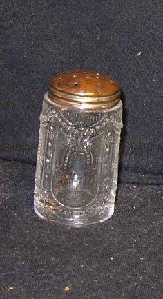 EAPG-era Heisey 160 Locket on Chain salt or pepper shaker: very scarce