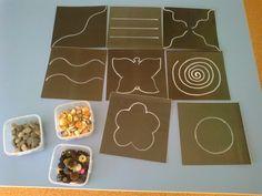 Сделать такую игру своими руками очень просто: нарисуйте контуры на картоне. Выбирайте сложность рисунка, ориентируясь на возраст ребенка. Выкладывать можно чем угодно: камушками, пуговицами, крупой.