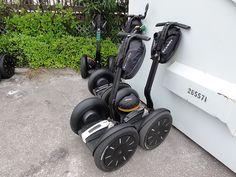 Co je to segway? Segway je dvoukolový dopravní prostředek, který patří do 21. století. Je určený pouze pro jednoho pasažéra. Ovládá se pohybem těla, což [...]