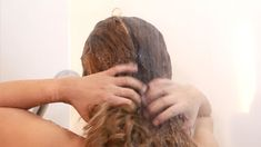 How to Plop Your Hair. Plopping is the process of tying curly hair up into a T-shirt or towel so that it preserves the curls and prevents frizz. To plop your hair, you'll want to wash your hair beforehand and apply a moisturizing product. Curly Hair Up, Curly Hair Styles, Step By Step Hairstyles, Up Hairstyles, Hair Hacks, Hair And Nails, Your Hair, Curls, Dreadlocks