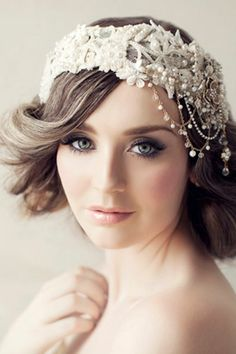 The perfect bridal makeup look!! Smokey drama on the eyes, soft lips, and a pink flush on the cheeks!