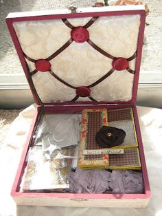 The Artful Muse's Artful Musings: My First EVER Altered Cigar Box