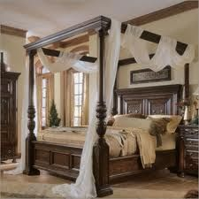 This is The Bed that I have always dreamed of very romantic