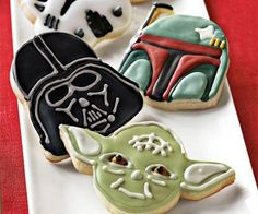 Boost your blood sugar level higher than Anakin's midichlorian count when you eat munchies crafted with the Star Wars baking molds. Great for bakers of all ages, these molds come in the shape of your favorite Star Wars characters such as Lord Vader and Yoda.