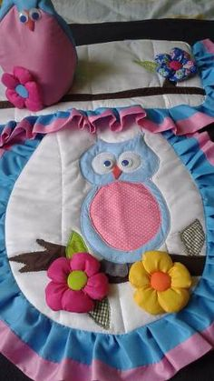 lenceria de baño Lunch Box, Rugs, Denim Rug, Farmhouse Rugs, Bathroom Mat, Craft, Bathrooms, Chair Back Covers, Bathroom Fixtures