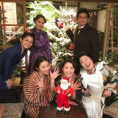 いいね!9,935件、コメント29件 ― 連続テレビ小説「わろてんか」さん(@nhk_warotenka)のInstagramアカウント: 「撮影現場からメリークリスマス いま、こんな感じでみんな撮影がんばってまーす✨ #メリークリスマス #クリスマス #merrychristmas #わろてんか #nhk #朝ドラ #葵わかな…」
