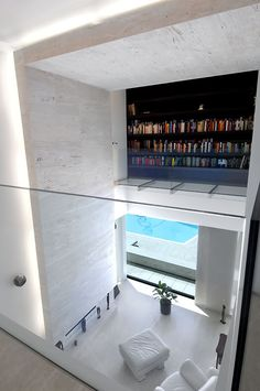 Stunning space with beautiful travertin stone. The House in Las Rozas by A-Cero.