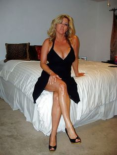 Gorgeous horny mature women