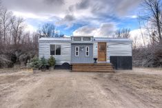 The Lewis and Clark tiny house: a 245 sq ft tiny home you can rent for $104  night in Hamilton, Montana!