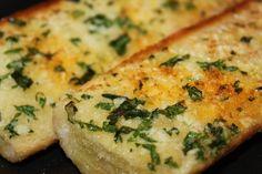 "The ""Real Deal"" Garlic Bread - vixenskitchen.com"