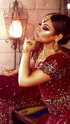 It's wedding season! We specialize in Indian Bridal Makeup, and don't worry about traveling to us, we will travel to you on your big day!  Call Now for your Appointment (619) 683-3975 www.aaliyahsbeautybrows.com Located in Hillcrest.    #IndianWedding #IndianWeddingMakeup #Indian #wedding #bride #SanDiego #California #India #Pakistan #PakistaniWedding #Henna #Eyebrows #Arabic #Eyes #Marriage #Engaged