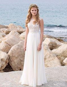 Vestido para noivas de praia: decote em V e corte evasé