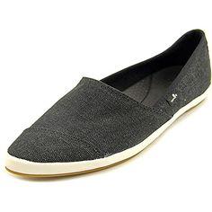 Sanuk Kats Meow Womens Slipon Canvas Shoes Black 9 ** Click affiliate link Amazon.com on image to review more details.