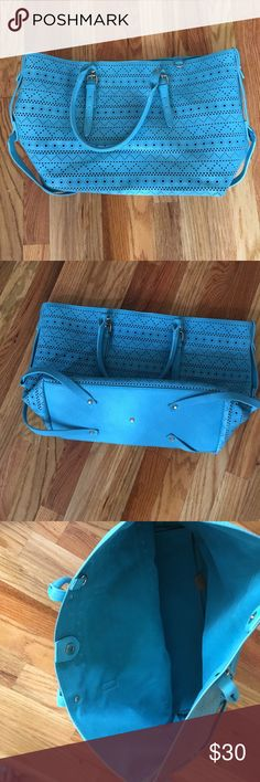 Beautiful blue tote bag Gorgeous blue/turquoise tote bag. Perfect for spring/summer. Medium sized. Bags Totes