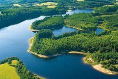 Lac de Vassivière dans le Limousin