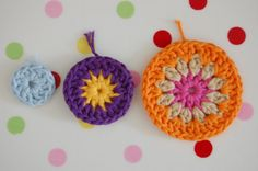 tutorial on how to make circle granny squares. from whereyourheartis.net/en