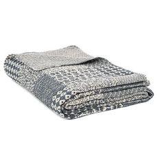 Dans les tons de gris et crème Queen, Quilt Sets, Tribal Prints, Bedding Sets, Quilts, House Styles, Cotton, Grey, Fabric
