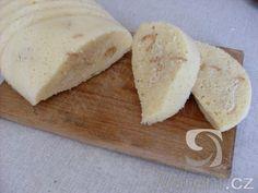 Super rychlovka na domácí houskové knedlíky. Czech Recipes, Gnocchi, Feta, Bread, Cheese, Baking, Cake, Czech Food, Pizza