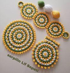 Laddu Gopal, African Women, Yarn Crafts, Fabric Flowers, Knitting Patterns, Crochet Earrings, Diy, Jewelry, Farmhouse Rugs