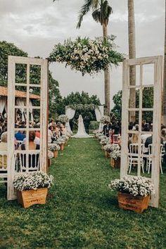 40 Romantic Backyard Wedding Decor Ideas On a Budget – - wedding ideas romantic Outdoor Wedding Entrance, Outdoor Wedding Decorations, Outside Wedding, Outdoor Wedding Alters, Old Doors Wedding, Wedding Tips, Fall Wedding, Wedding Events, Rustic Wedding