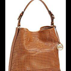 Website For cheap mk bags,MK outlet! love these Michael Kors Bags so much! Mk Handbags, Handbags Michael Kors, Michael Kors Bag, Outlet Michael Kors, Cheap Michael Kors, Mk Bags, Tote Bags, Fashion Bags, Fashion Accessories