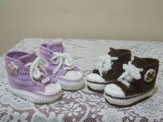 Tênis de crochê  feito com linha de algodão, Aquece no inverno e pode ser usado no verão.