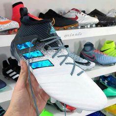 Chuteiras - Adidas Adidas Soccer Boots, Nike Football Boots, Adidas Cleats, Adidas Football, Girls Soccer Cleats, Soccer Gear, Football Cleats, Best Soccer Shoes, Football Accessories