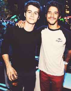 Dylan O'Brien and Tyler Posey bffs 4 life