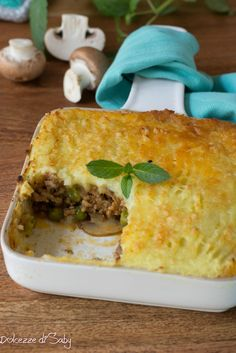 Cottage Pie, Spanakopita, Plates On Wall, Cooking Recipes, Fresh, Meat Pies, Ethnic Recipes, England, Chicken