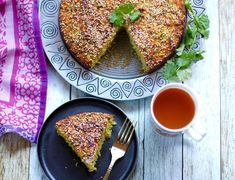 Handvo {Spicy Rice and lentils cake} - Oven & Instant pot Recipe - Ministry of Curry Lentil Recipes, Oven Recipes, Curry Recipes, Vegetarian Recipes, Healthy Recipes, Indian Snacks, Indian Food Recipes, Indian Appetizers, Indian Desserts