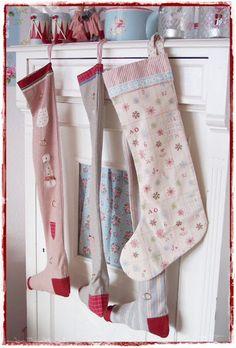 Christmas // recycle bedding & pajama fabrics into stockings