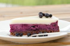 Baked blueberry cheesecake topped with sour cream jelly.