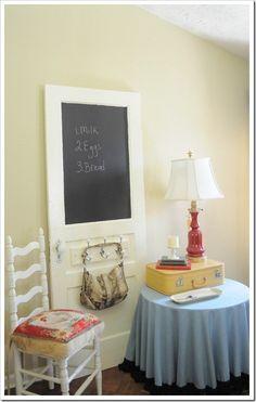 Love the door chalk board idea!