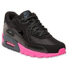 The Nike Air Max 90 Women's Running Shoes are iconic in their looks but don't stop there. The leather upper shows off the premium details of the streamlined silhouette. Mesh inserts on the toe box and ankle increase the breathability so your feet stay