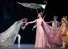 Uliana Lopatkina as Titania and Filip Stepin as Oberon in Balanchine's A Midsummer Night's Dream. Broadway Costumes, Theatre Costumes, Ballet Costumes, Cool Costumes, Shakespeare Midsummer Night's Dream, Midsummer Nights Dream, Tarot, Fish Costume, Ballet Painting