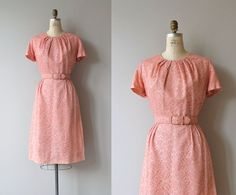 Vintage 1950s pink lace sheath-style dress with gathered neckline, short sleeves, fitted waist, matching belt and metal zipper. --- M E A S U R E M E